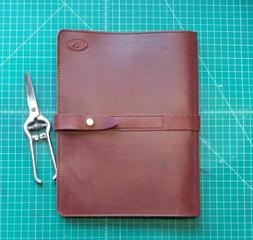 NEW  PORTFOLIO in the EXECUTIVE leather collection. American